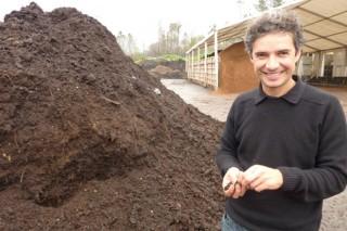 «Gracias a las lombrices logramos un abono adaptado a los suelos de Galicia»