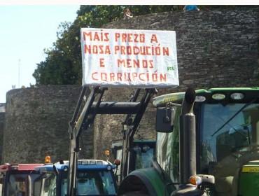 Agromuralla amenaza con tractoradas si no sube el precio de la leche