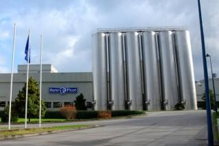 El Sindicato Labrego advierte de bajadas en el precio de la leche de Reny Picot