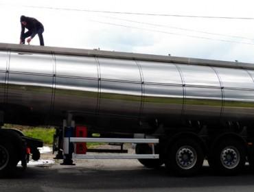 Unións advierte de importaciones masivas de leche a bajos precios