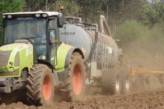 La Xunta pide al Gobierno dos años más para adaptarse al decreto de purines y que se empiece por las de porcino