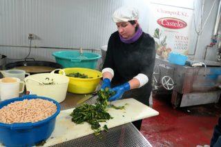 Champivil-Castelo incrementa un 50% su producción de caldo gallego
