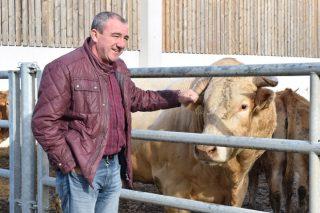 «Intentamos resolver los problemas del rural, aunque non tengamos competencias»