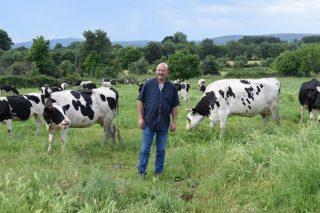 Ganadería O Cantón SC: Las ventajas de producir leche en extensivo en Ourense