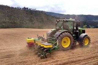 El tiempo inestable retrasa la siembra del maíz en Galicia