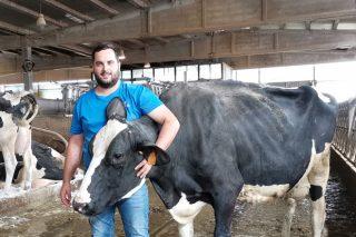 «Mi abuelo me inculcó la ganadería y quiero seguir apostando por buenos animales, como ya hacía él»