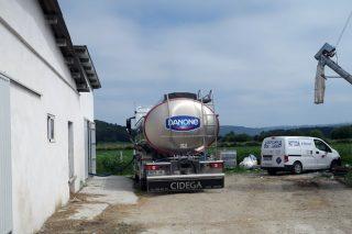 Agromuralla ve una «estrategia premeditada» de las industrias para empeorar los contratos lácteos