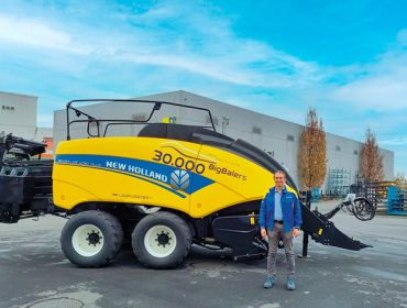 New Holland alcanza las 30.000 empacadoras gigantes fabricadas