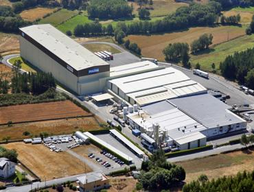 La planta del Grupo Lactalis en Vilalba redujo su consumo de agua y la huella de carbono en 2020