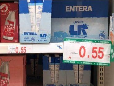 Denuncian que la gran distribución liquida la leche con precios de derribo: Hasta 0,56 euros el litro